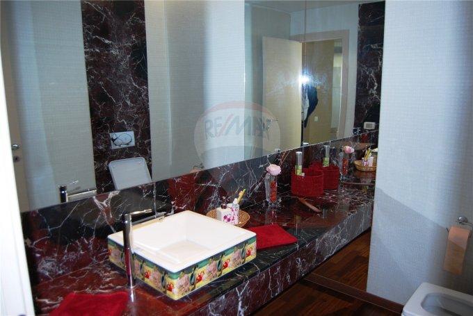 vanzare apartament decomandata, zona Faleza Nord, orasul Constanta, suprafata utila 300 mp