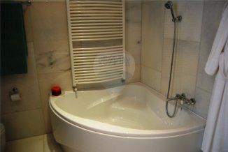 Apartament cu 6 camere de vanzare, confort Lux, zona Faleza Nord,  Constanta