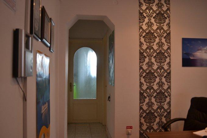 inchiriere birou cu 3 camere, 1 grup sanitar, suprafata de 77.91 mp. In orasul Constanta, zona Centru.
