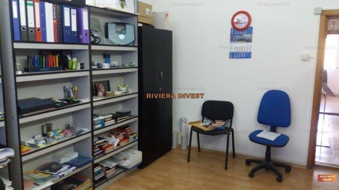 Birou de inchiriat direct de la agentie imobiliara, in Constanta, zona Faleza Nord, cu 330 euro. 1 grup sanitar, suprafata utila 80 mp.