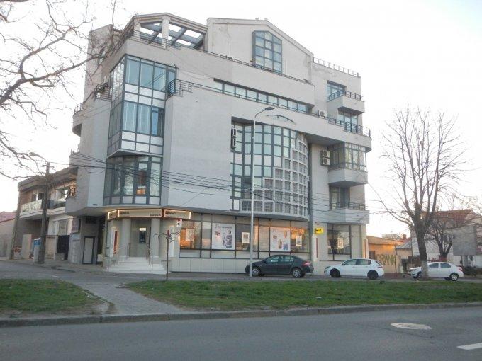 Birou de inchiriat direct de la proprietar, in Constanta, zona Centru, cu 1.500 euro negociabil. 1  balcon, 2 grupuri sanitare, suprafata utila 200 mp. Mobilat lux.