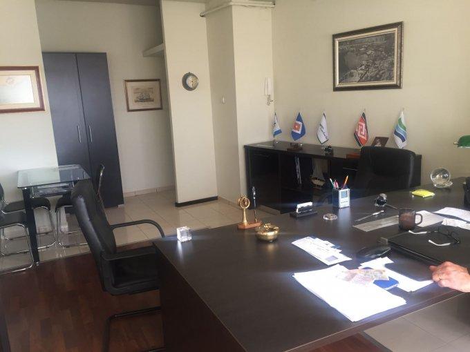 Birou de vanzare direct de la agentie imobiliara, in Constanta, zona B-dul Mamaia, cu 160.000 euro. 1  balcon, 3 grupuri sanitare, suprafata utila 127 mp.