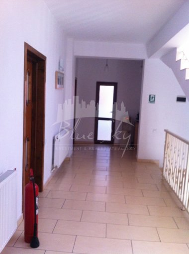 vanzare Casa Constanta Tomis 1 cu 10 camere, 1 grup sanitar, avand suprafata utila 600 mp. Pret: 490.000 euro negociabil. agentie imobiliara vand Casa.