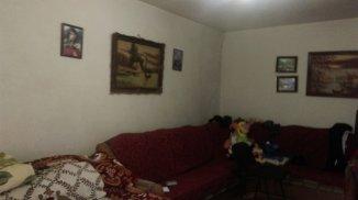 vanzare casa cu 2 camere, comuna Lazu, suprafata utila 72 mp