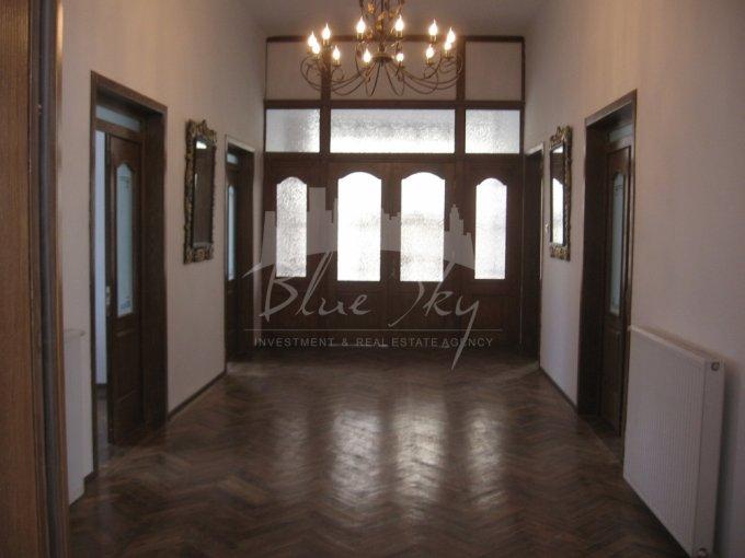 inchiriere Casa Constanta Piata Ovidiu cu 20 camere, 1 grup sanitar, avand suprafata utila 450 mp. Pret: 2.000 euro negociabil. agentie imobiliara inchiriez Casa.