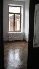 Casa de inchiriat cu 20 camere, in zona Piata Ovidiu, Constanta