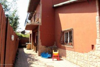 vanzare casa de la agentie imobiliara, cu 3 camere, in zona Victoria, orasul Constanta