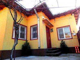 agentie imobiliara vand Casa cu 3 camere, zona Tomis 2, orasul Constanta