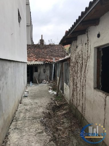 vanzare Casa Constanta cu 3 camere, cu suprafata utila de 115 mp, 1 grup sanitar. 69.000 euro.. Casa vanzare Tomis 1 Constanta