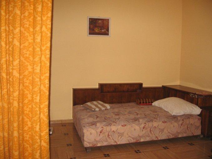 vanzare casa de la agentie imobiliara, cu 3 camere, comuna Lazu