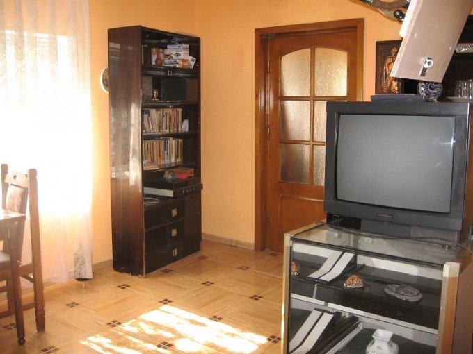 vanzare casa cu 3 camere, comuna Lazu, suprafata utila 80 mp
