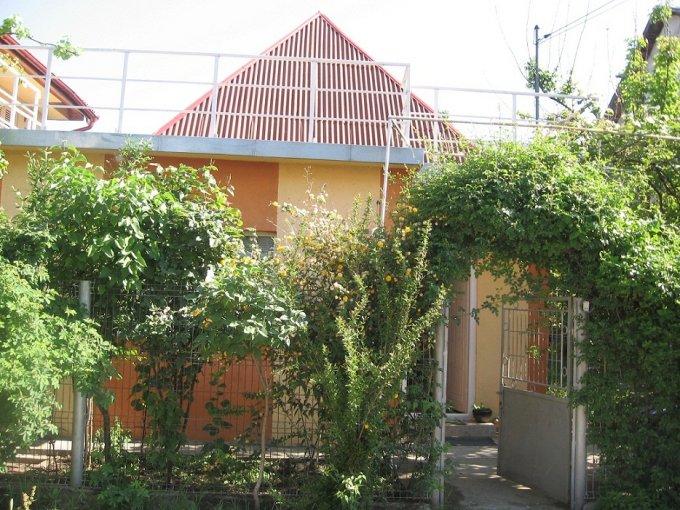 agentie imobiliara vand Casa cu 3 camere, comuna Lazu