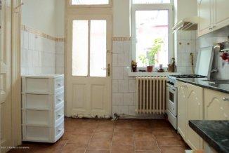 agentie imobiliara vand Casa cu 4 camere, zona Centru, orasul Constanta