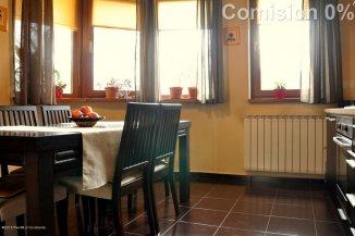 vanzare casa de la agentie imobiliara, cu 4 camere, in zona Trocadero, orasul Constanta
