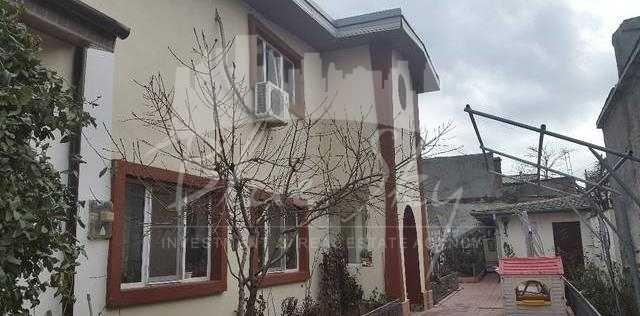 Casa de vanzare direct de la agentie imobiliara, in Constanta, zona Victoria, cu 170.000 euro negociabil. 1 grup sanitar, suprafata utila 100 mp. Are  4 camere.