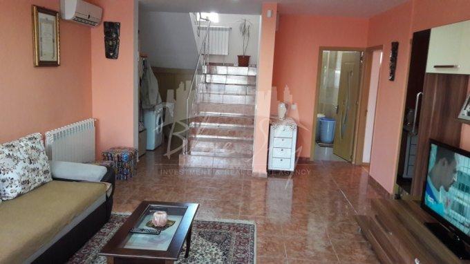Casa de vanzare direct de la agentie imobiliara, in Valu lui Traian, cu 85.000 euro negociabil. 1 grup sanitar, suprafata utila 180 mp. Are  4 camere.