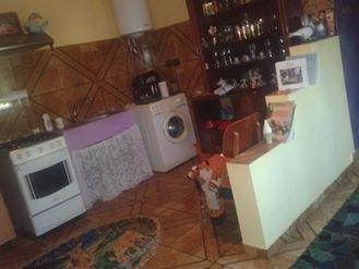 Casa de vanzare direct de la proprietar, in Cobadin, cu 30.000 euro. 3  balcoane, 1 grup sanitar, suprafata utila 2400 mp. Are  4 camere.