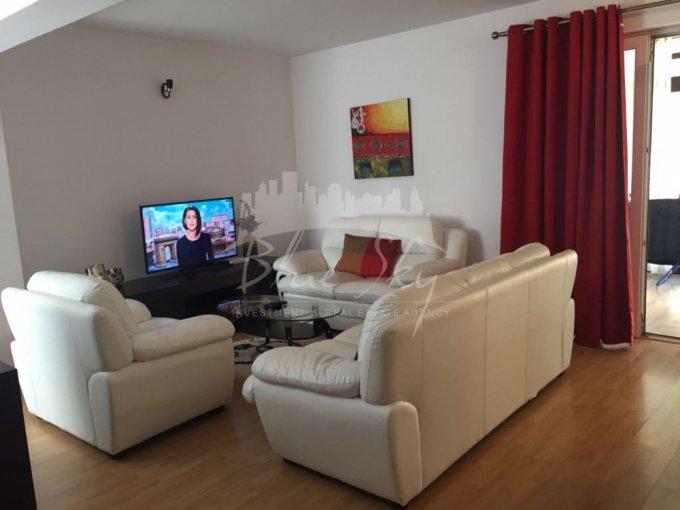 Casa de inchiriat direct de la agentie imobiliara, in Constanta, zona Boreal, cu 790 euro negociabil. 1 grup sanitar, suprafata utila 140 mp. Are  4 camere.
