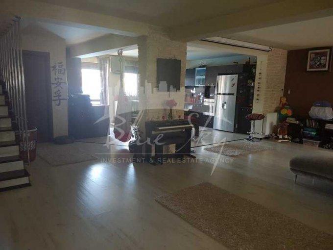 Casa de vanzare direct de la agentie imobiliara, in Constanta, zona Palazu Mare, cu 195.000 euro negociabil. 1 grup sanitar, suprafata utila 200 mp. Are  4 camere.