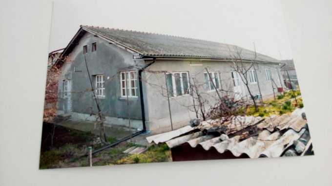 Casa de vanzare direct de la proprietar, in Mangalia, cu 65.000 euro. 1 grup sanitar, suprafata utila 130 mp. Are  4 camere.