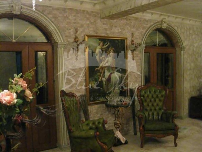Casa de vanzare direct de la agentie imobiliara, in Constanta, cu 255.000 euro negociabil. 1 grup sanitar, suprafata utila 320 mp. Are  5 camere.