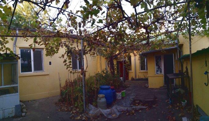 vanzare Casa Constanta Casa casatoriilor cu 5 camere, 3 grupuri sanitare, avand suprafata utila 120 mp. Pret: 185.000 euro negociabil. Incalzire: Incalzire prin termoficare. proprietar vand Casa.