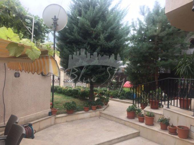 Casa de vanzare direct de la agentie imobiliara, in Constanta, zona Tomis 1, cu 299.900 euro negociabil. 1 grup sanitar, suprafata utila 350 mp. Are  5 camere.
