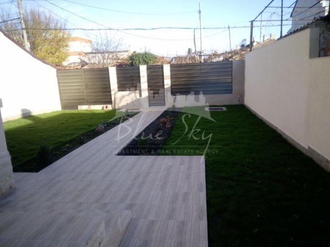 Casa de vanzare direct de la agentie imobiliara, in Constanta, zona Coiciu, cu 275.000 euro negociabil. 1 grup sanitar, suprafata utila 210 mp. Are  5 camere.