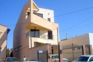 Casa de vanzare cu 6 camere, in zona Stadion, Constanta
