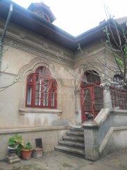 Constanta, zona Casa de Cultura, casa cu 6 camere de vanzare de la agentie imobiliara