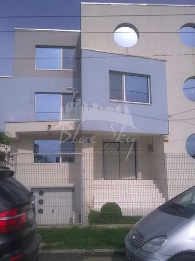 Casa de inchiriat direct de la agentie imobiliara, in Constanta, zona Mamaia Nord, cu 2.000 euro. 1 grup sanitar, suprafata utila 566 mp. Are  6 camere.