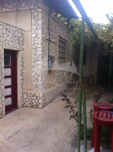 vanzare Casa Constanta Tomis 2 cu 6 camere, 1 grup sanitar, avand suprafata utila 187 mp. Pret: 125.000 euro negociabil. agentie imobiliara vand Casa.