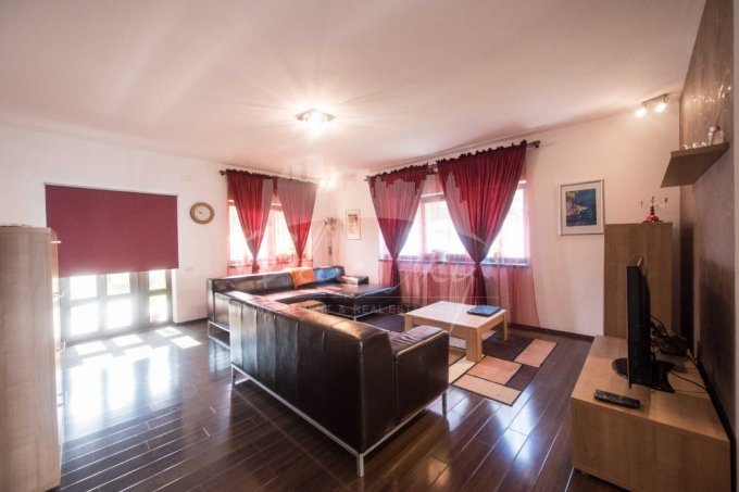 vanzare Casa Constanta cu 6 camere, cu suprafata utila de 280 mp, 1 grup sanitar. 420.000 euro negociabil.. Casa vanzare Stadion Constanta