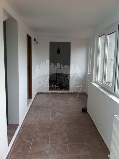 Casa de inchiriat direct de la agentie imobiliara, in Constanta, zona Trocadero, cu 1.200 euro negociabil. 1 grup sanitar, suprafata utila 300 mp. Are  7 camere.