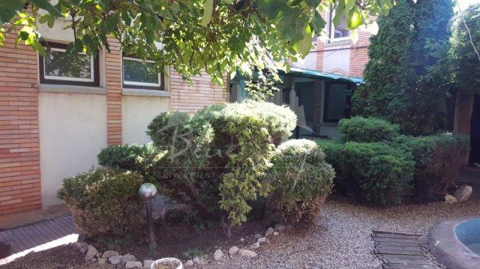 vanzare Casa Constanta Faleza Nord cu 7 camere, 1 grup sanitar, avand suprafata utila 240 mp. Pret: 195.000 euro negociabil. agentie imobiliara vand Casa.