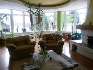 agentie imobiliara inchiriez Casa cu 8 camere, zona Faleza Nord, orasul Constanta