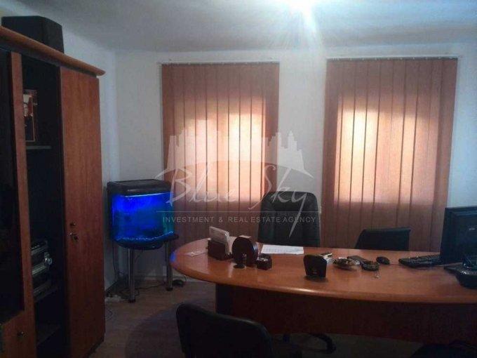 inchiriere Casa Constanta cu 8 camere, cu suprafata utila de 170 mp, 1 grup sanitar. 700 euro negociabil.. Casa inchiriere Centru Constanta