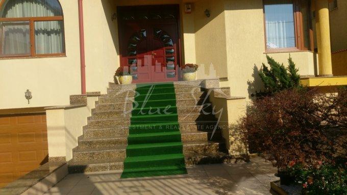 Casa de vanzare in Constanta cu 9 camere, cu 1 grup sanitar, suprafata utila 600 mp. Suprafata terenului 417 metri patrati, deschidere 14 metri. Pret: 598.000 euro negociabil. Casa