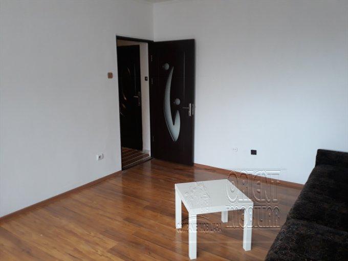 Garsoniera de vanzare in Constanta, cu 1 grup sanitar, suprafata utila 29 mp. Pret: 39.000 euro. Usa intrare: Metal. Usi interioare: Lemn.