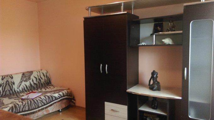 inchiriere Garsoniera Constanta, cu 1 grup sanitar, suprafata utila 18 mp. Pret: 150 euro negociabil. Incalzire: Centrala proprie a locuintei.