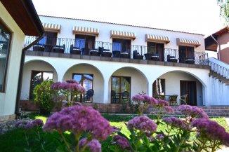vanzare Mini hotel de la agentie imobiliara cu 1 etaj, 13 camere, orasul Eforie Sud