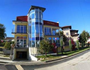 vanzare Mini hotel de la agentie imobiliara cu 1 etaj, 13 camere, orasul Eforie