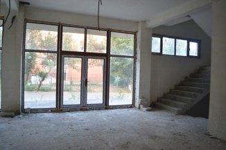 agentie imobiliara vand Pensiune cu 4 etaje, cu 27 incaperi zona Centru, orasul Eforie Nord