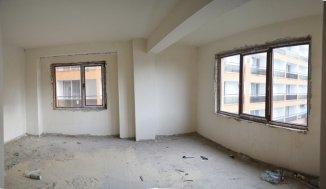 vanzare Pensiune cu 4 etaje, 27 camere, zona Centru, orasul Eforie Nord, suprafata utila 1600 mp