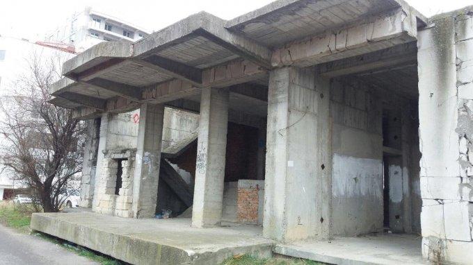Proprietate de vanzare in Constanta. Suprafata terenului 1800 metri patrati, deschidere  metri. Pret: 250.000 euro.
