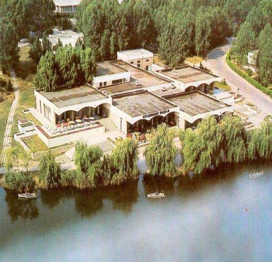 Constanta Spatiu comercial de vanzare, cu 1 grup sanitar, suprafata 4902 mp. Pret: 600.000 euro.