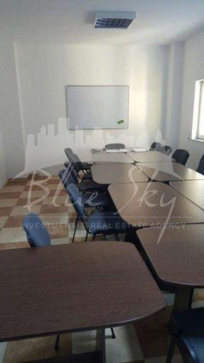 de vanzare spatiu comercial, 1 grup sanitar, suprafata de 125 mp. In orasul Constanta, zona Trocadero. 110.000 euro negociabil.
