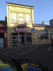 vanzare de la agentie imobiliara, Spatiu comercial cu 10 incaperi, in zona Centru, orasul Constanta