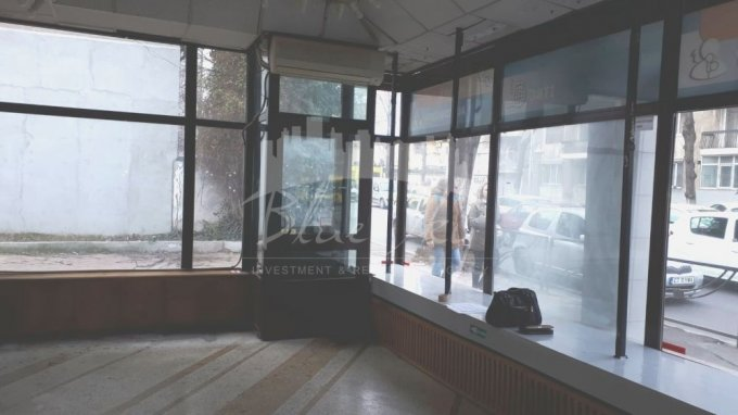 inchiriere Spatiu comercial Centru Constanta cu 1 incapere, 1 grup sanitar, avand suprafata de 82 mp. Pret: 800 euro negociabil. agentie imobiliara inchiriez Spatiu comercial.