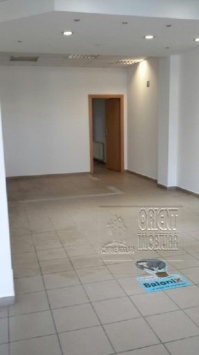 Gara Constanta Spatiu comercial de inchiriat cu 1 incapere, cu 1 grup sanitar, suprafata 65 mp. Pret: 1.100 euro.